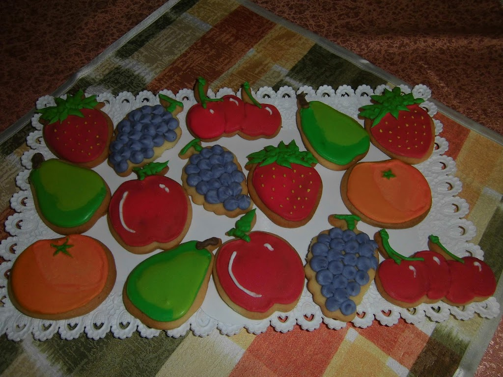 Biscotti, questa volta a forma di frutta…