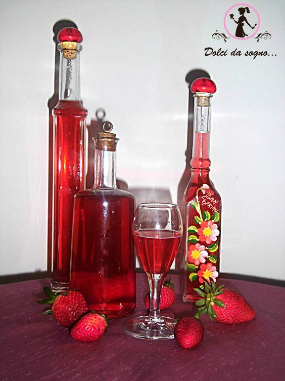Liquore alle fragole, dolce e profumato