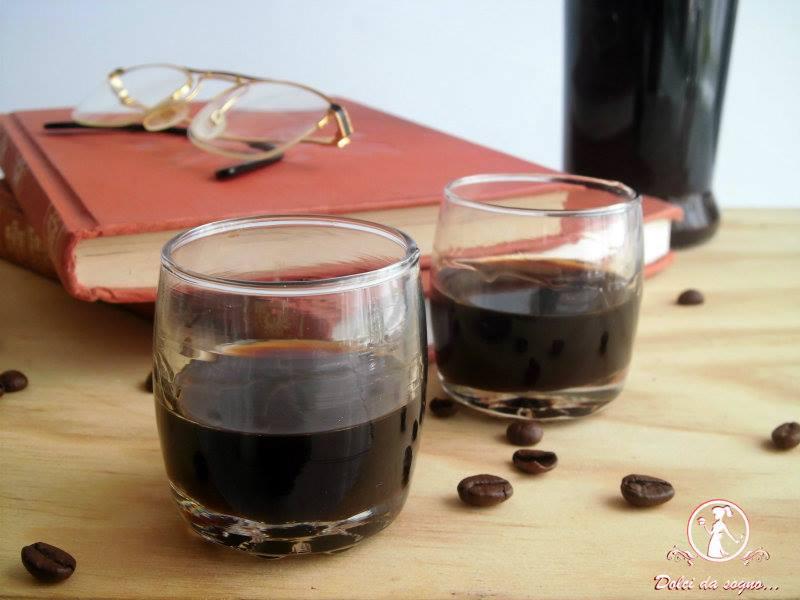 Liquore al caffè, una bevanda corroborante