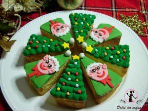 torta aspicchi con alberelli ed elfi di babbo natale