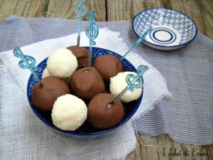 bon bon al cocco e cioccolato