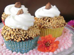 cupcake con granella di nocciole e cioccolato