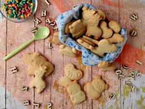 biscotti di pasta frolla a forma di animaletto