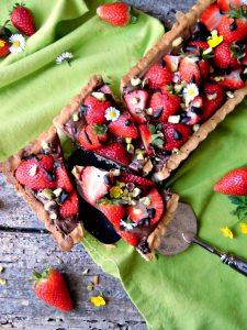 Crostata con cioccolato e fragole