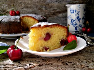 Torta morbida con le ciliegie