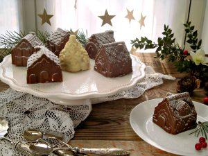 casette di cioccolato ripiene con pandoro e crema di latte.jpg