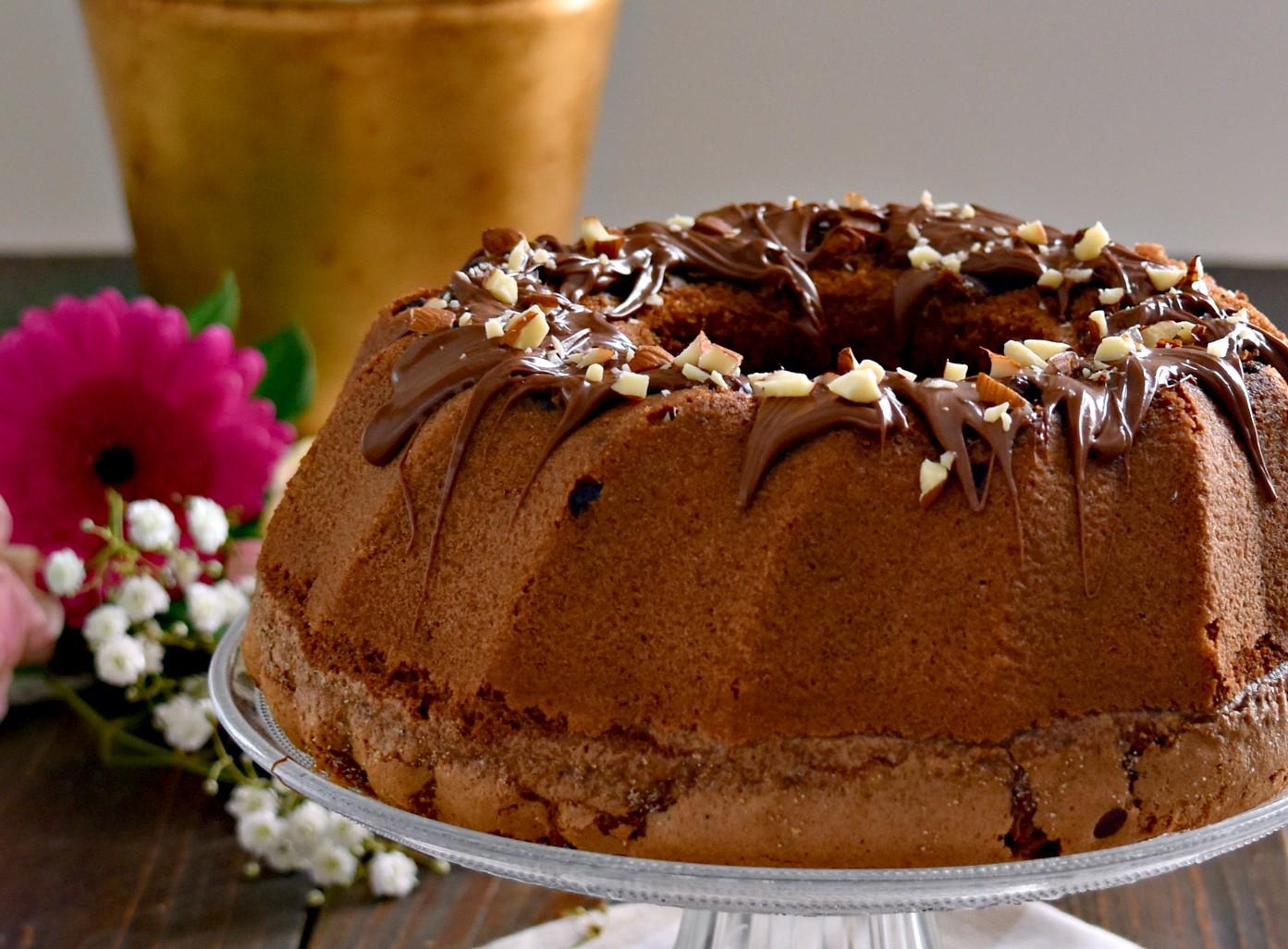Ciambella al cioccolato senza burro e super-soffice