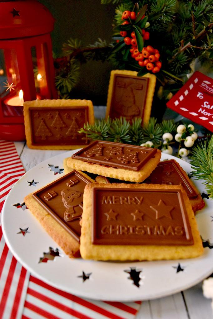 Biscotti di Natale al cioccolato tipo oro ciok