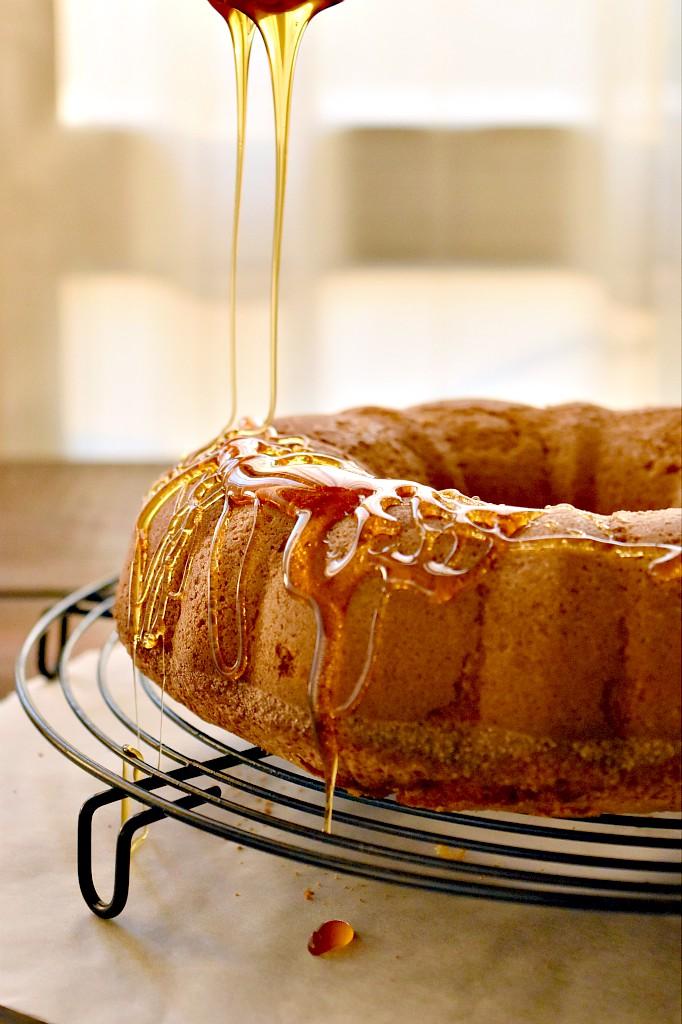 bundt cake di farro con miele di melata