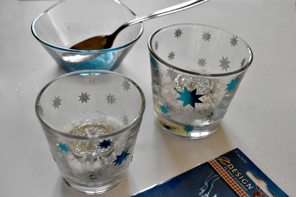 Porta candele natalizi con bicchieri di vetro