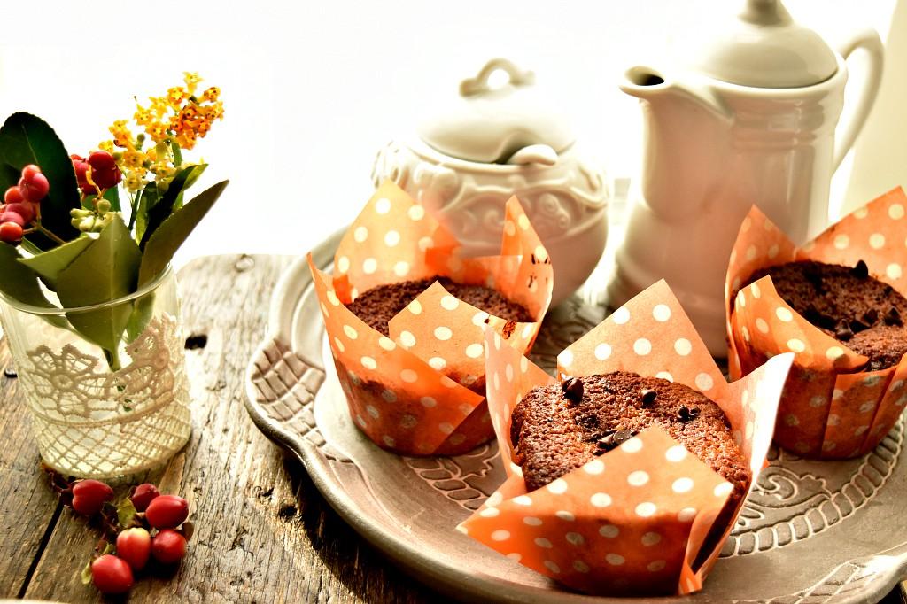Muffin al pandoro con gocce di cioccolato