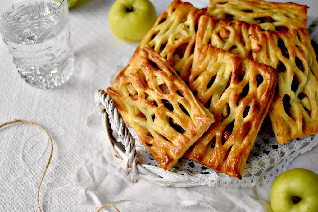 sfogliatine di mele uvetta e cannella