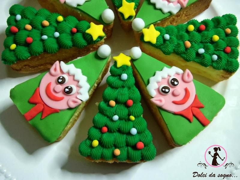 Torta con elfi ed alberelli