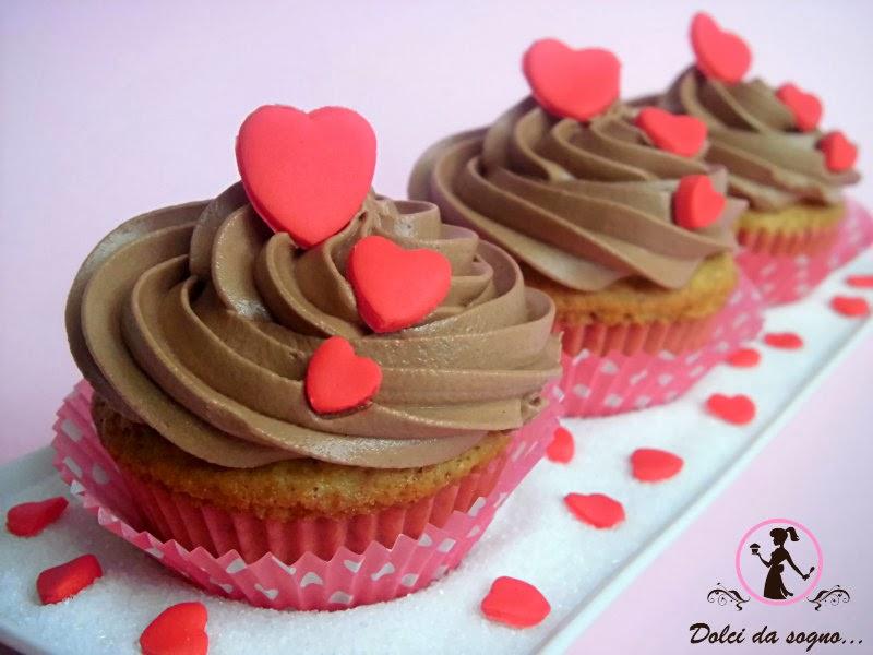 Per S. Valentino cupcake con crema di burro alla nutella
