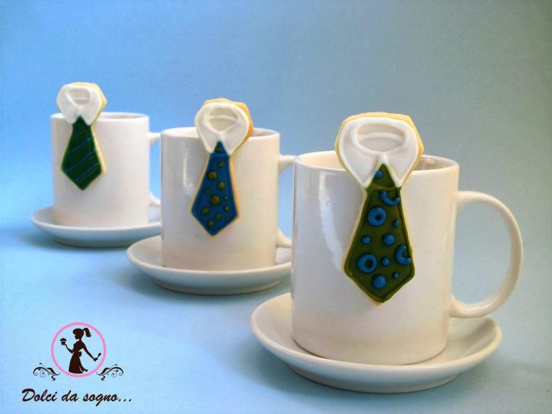 Biscotti cravatta per tazza