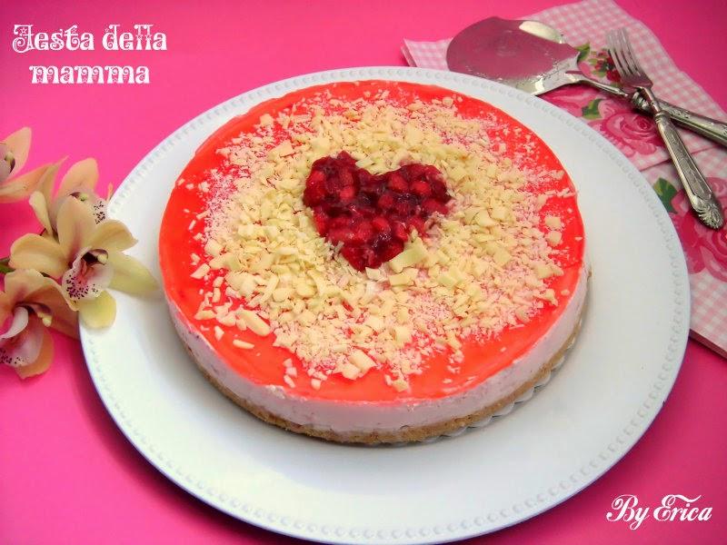 Una cheesecake alle fragole per la festa della mamma