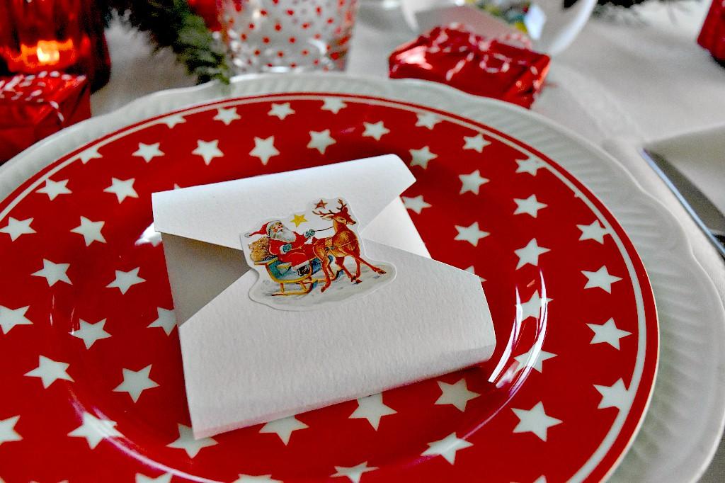 Segnaposti natalizi per i bambini per la tavola delle feste