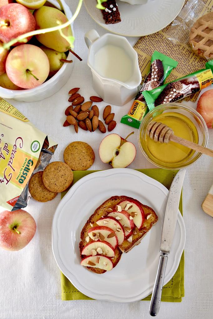 Pane senza glutine mele e miele per una colazione ok!
