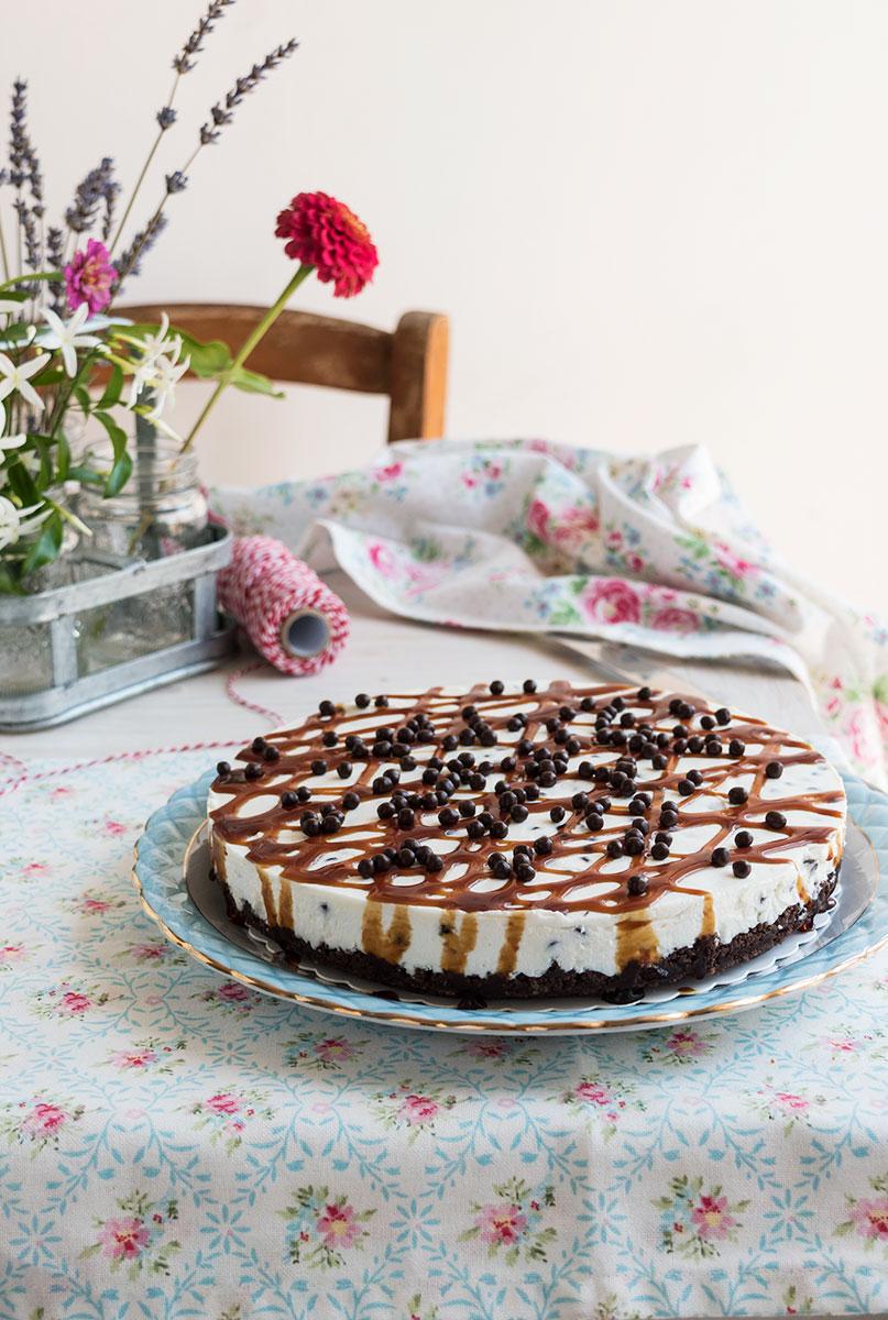 Torta fredda al mascarpone con gocce di cioccolato