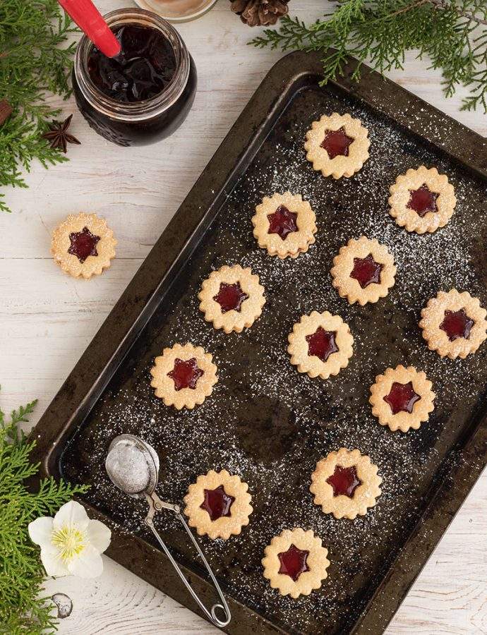 Linzer cookies, golosi biscotti austriaci.