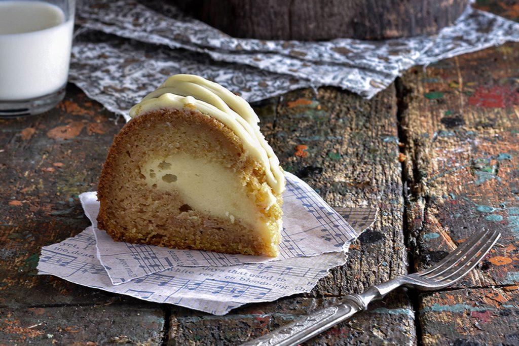 fetta di torta alla zucca con crema di mascarpone